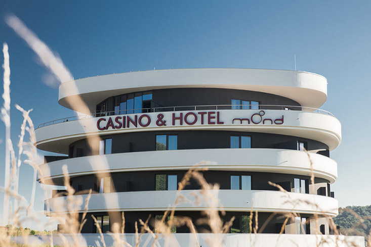 Benvenuti al Hotel Mond